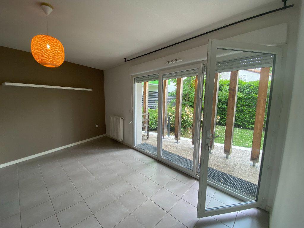 Appartement à vendre 2 51m2 à Bordeaux vignette-1