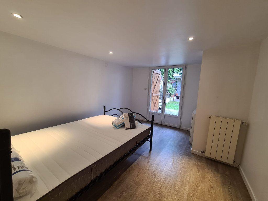 Maison à louer 4 95m2 à Bordeaux vignette-4