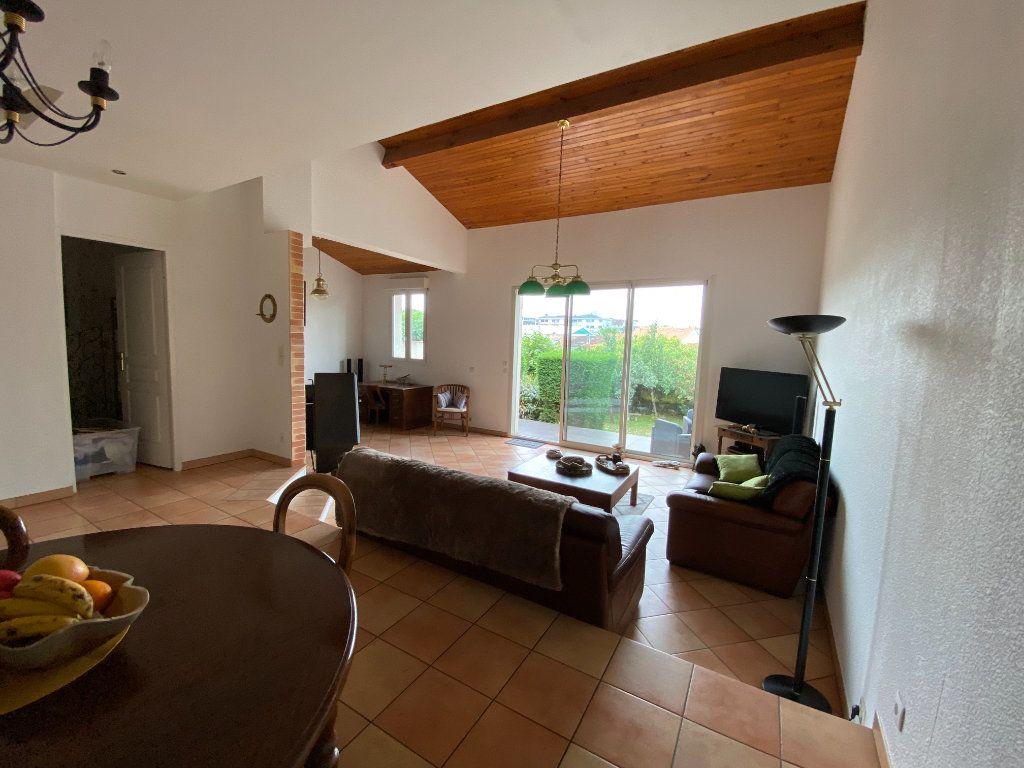 Maison à louer 4 120m2 à Bordeaux vignette-2