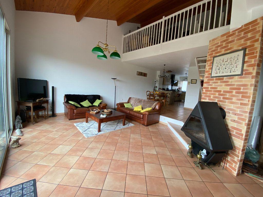 Maison à louer 4 120m2 à Bordeaux vignette-3
