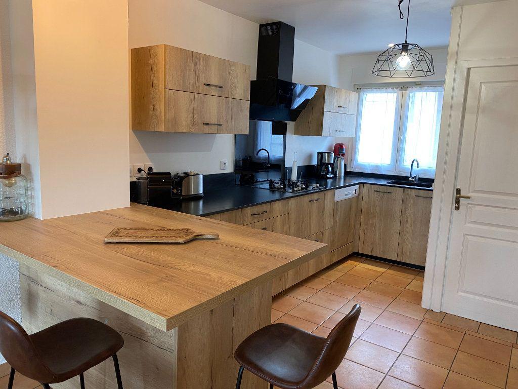 Maison à louer 4 120m2 à Bordeaux vignette-4