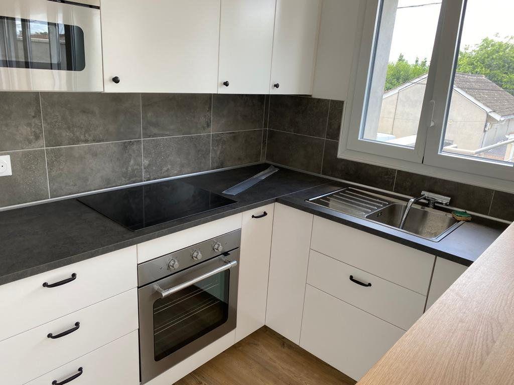 Appartement à louer 3 60m2 à Mérignac vignette-3