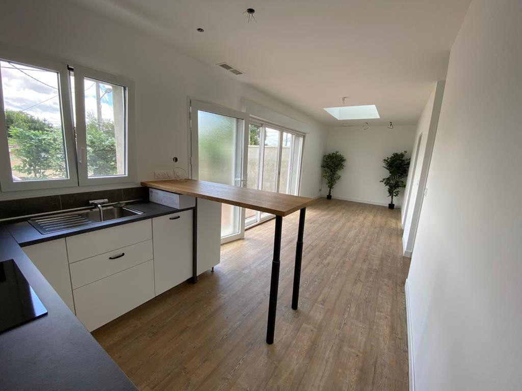 Appartement à louer 3 60m2 à Mérignac vignette-4