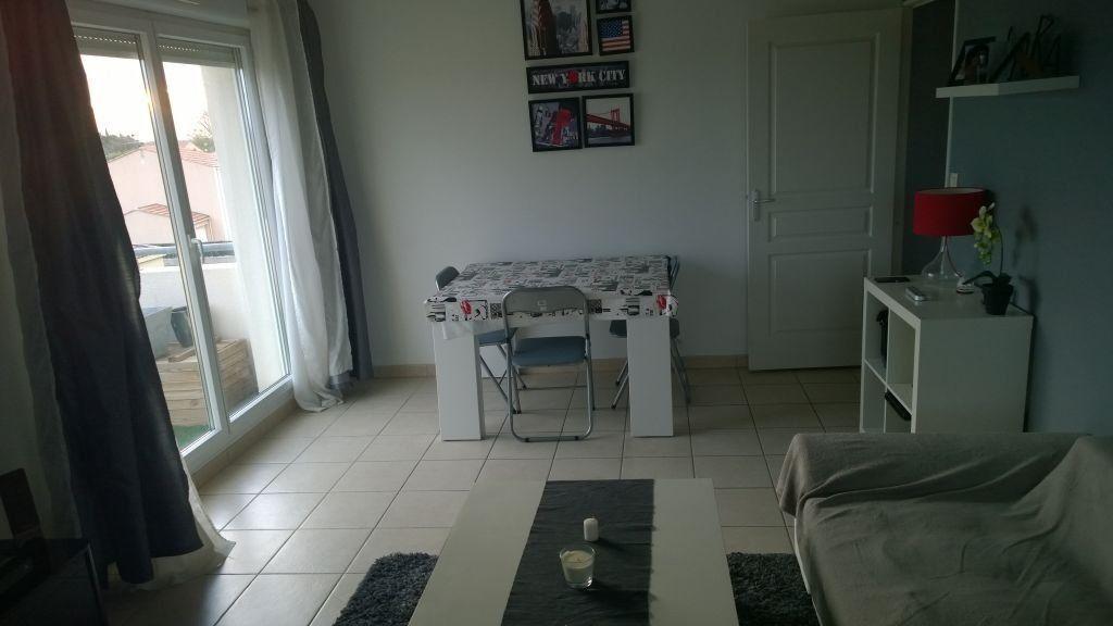 Appartement à louer 2 45.75m2 à Istres vignette-2