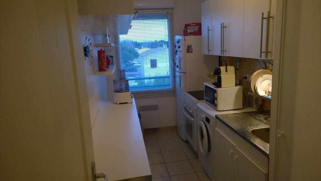 Appartement à louer 2 45.75m2 à Istres vignette-3