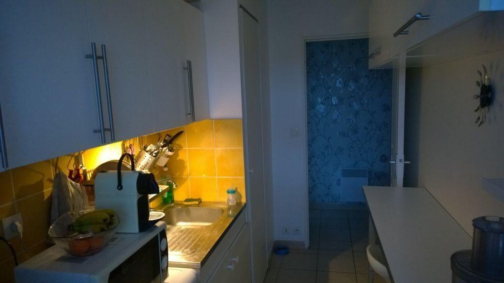 Appartement à louer 2 45.75m2 à Istres vignette-4