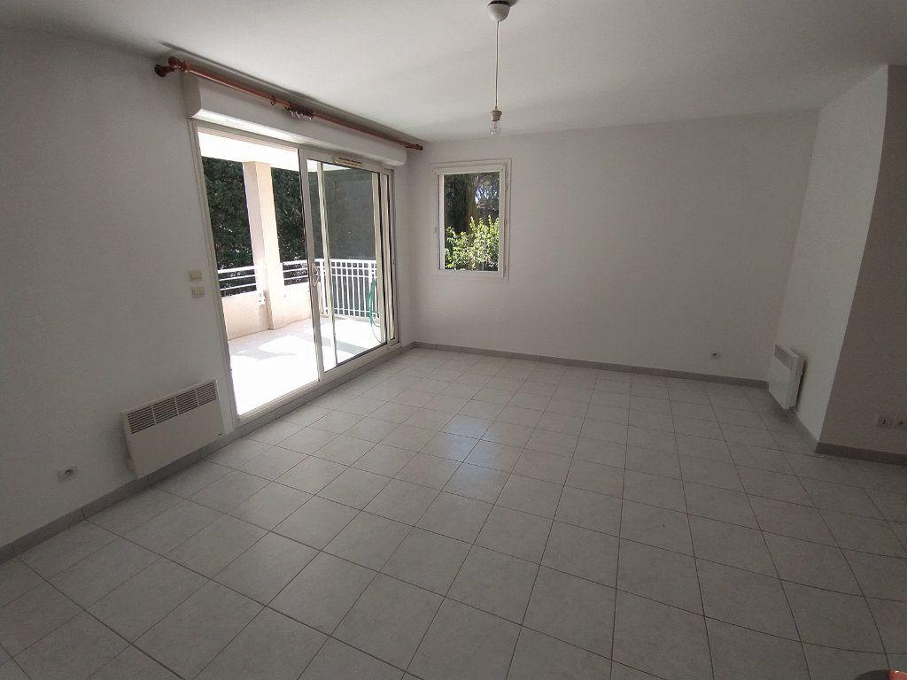 Appartement à louer 3 64.81m2 à Istres vignette-5
