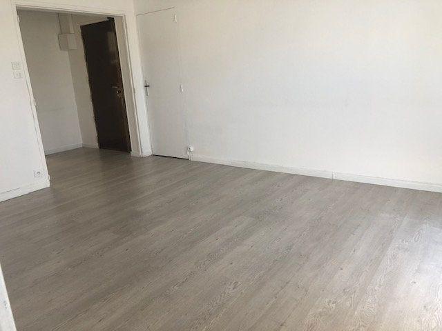 Appartement à louer 3 56.54m2 à Miramas vignette-4