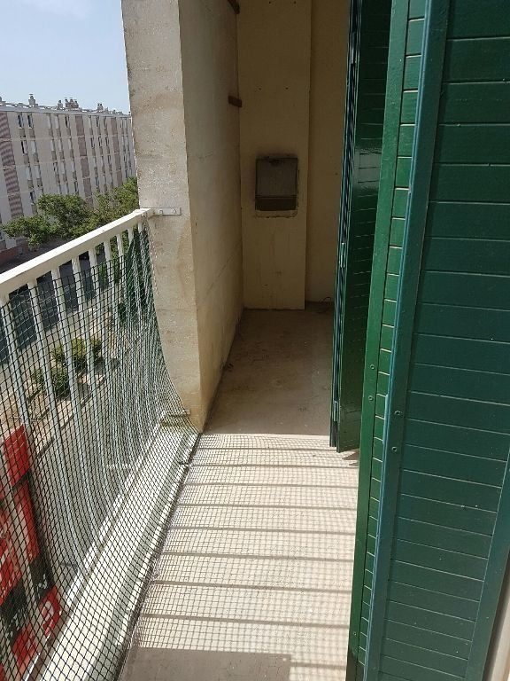 Appartement à louer 2 73.65m2 à Miramas vignette-1