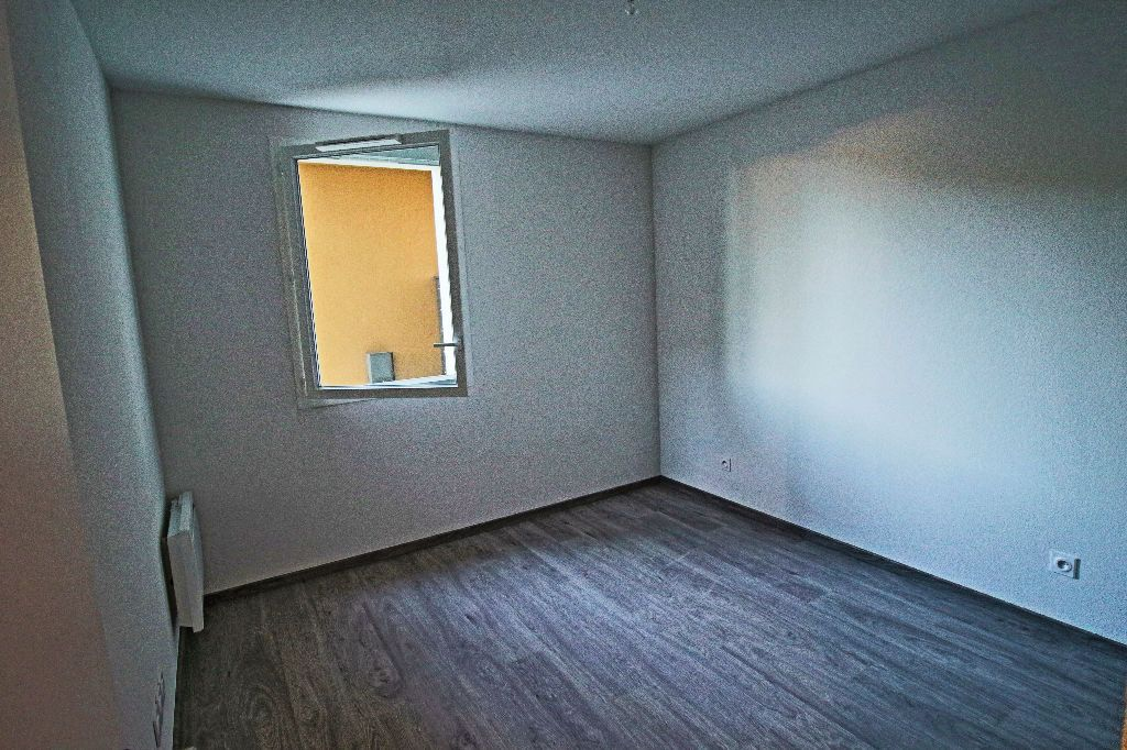 Appartement à louer 3 56.78m2 à Istres vignette-6