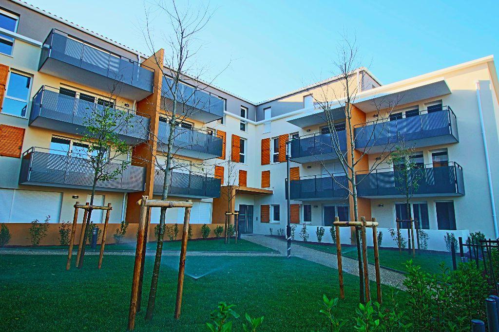 Appartement à louer 3 56.78m2 à Istres vignette-8