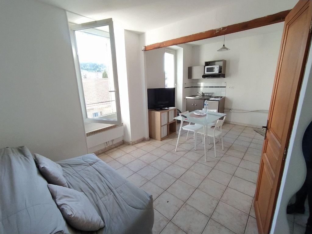 Appartement à louer 1 20.88m2 à Salon-de-Provence vignette-1