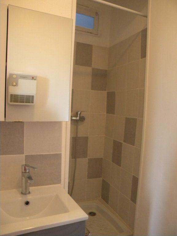Appartement à louer 1 20.88m2 à Salon-de-Provence vignette-6