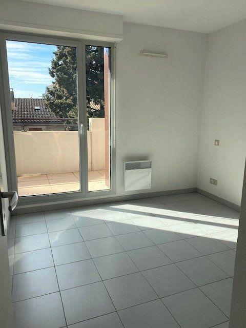 Appartement à louer 3 52.16m2 à Avignon vignette-5