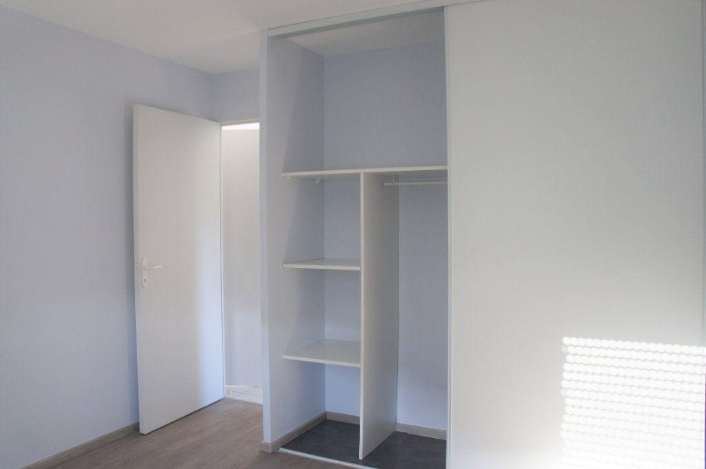 Appartement à louer 3 62.57m2 à Avignon vignette-5