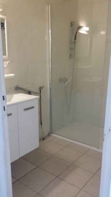 Appartement à louer 2 34.2m2 à Istres vignette-3