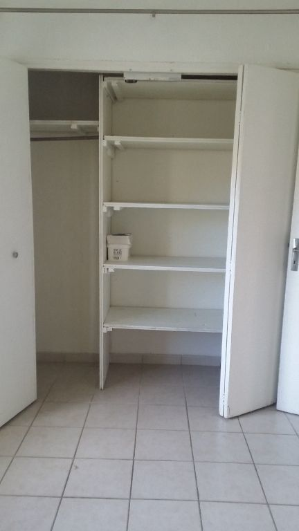 Appartement à louer 2 34.2m2 à Istres vignette-4