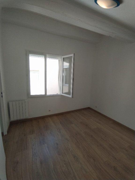 Appartement à louer 2 33.08m2 à Istres vignette-4