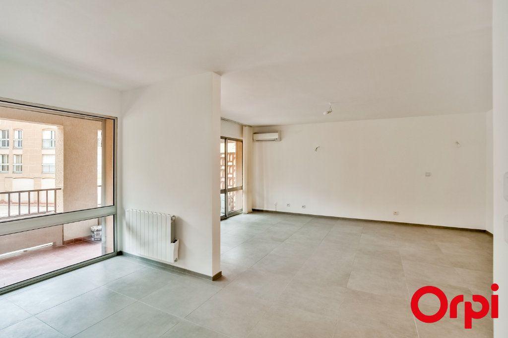Appartement à louer 4 83.6m2 à Salon-de-Provence vignette-8
