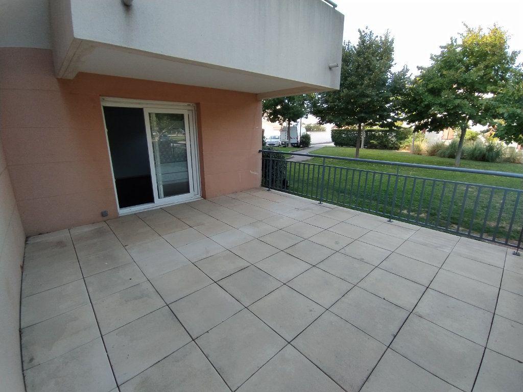 Appartement à louer 2 42.74m2 à Istres vignette-6