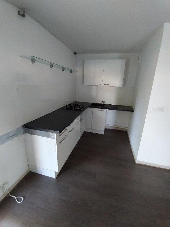Appartement à louer 2 42.74m2 à Istres vignette-7