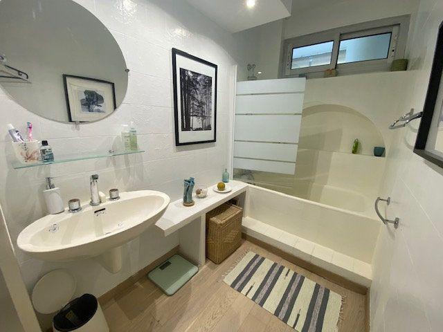 Appartement à louer 3 61.22m2 à Avignon vignette-5