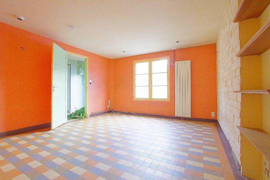 Maison à vendre 7 177.53m2 à Nesle vignette-3