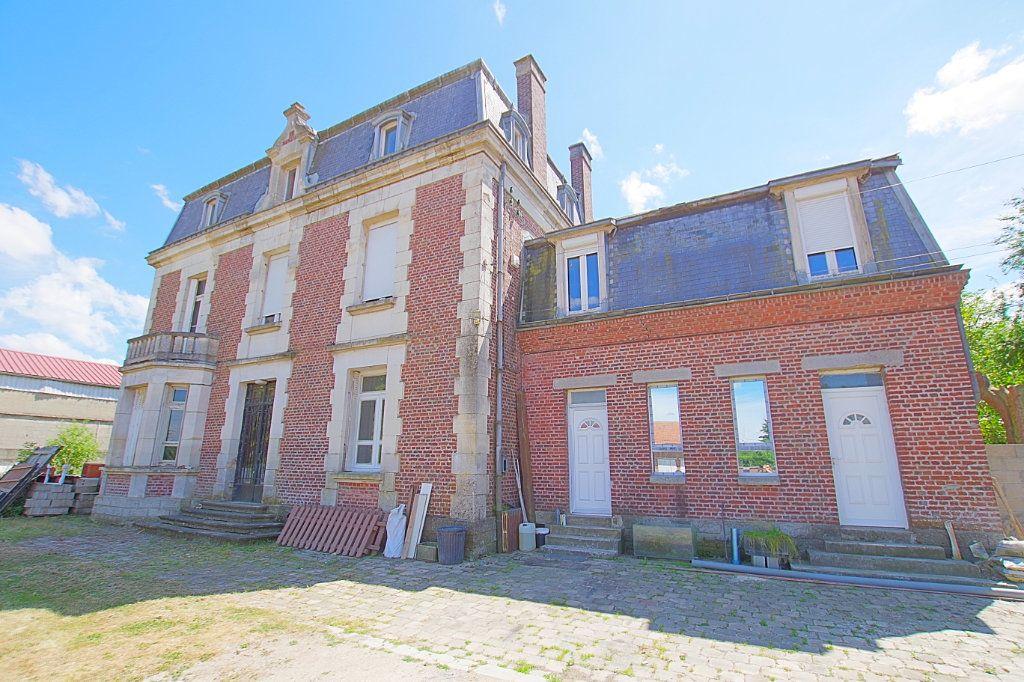 Maison à vendre 15 476.56m2 à Hattencourt vignette-1