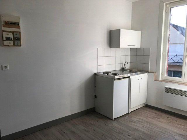 Appartement à louer 1 16m2 à Roye vignette-2