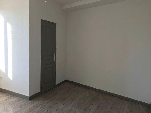 Appartement à louer 1 16m2 à Roye vignette-3