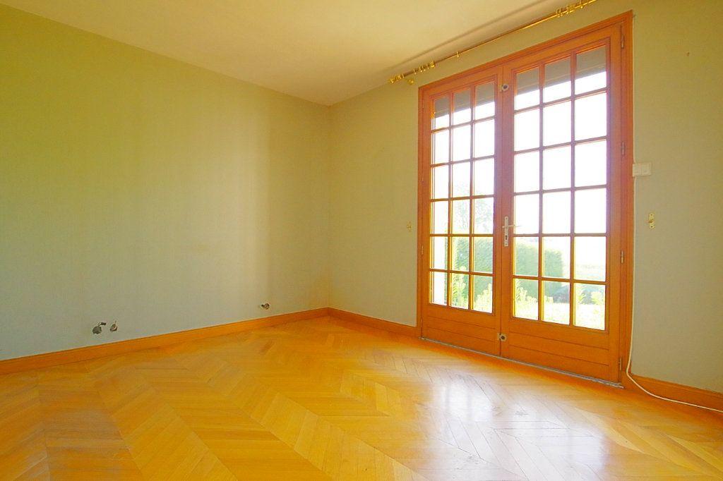 Maison à vendre 5 132.17m2 à Nesle vignette-5