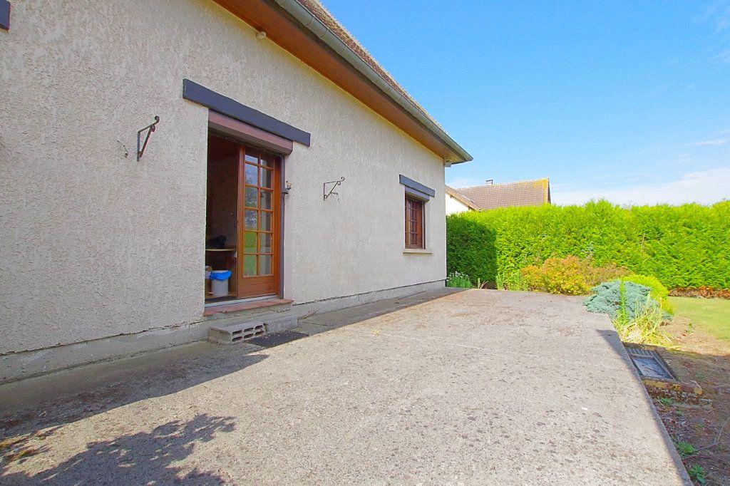 Maison à vendre 5 132.17m2 à Nesle vignette-9