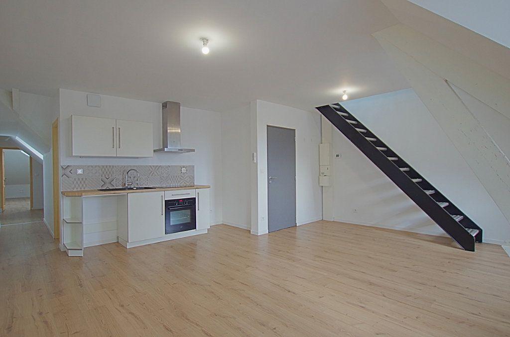 Appartement à louer 3 58m2 à Roye vignette-1