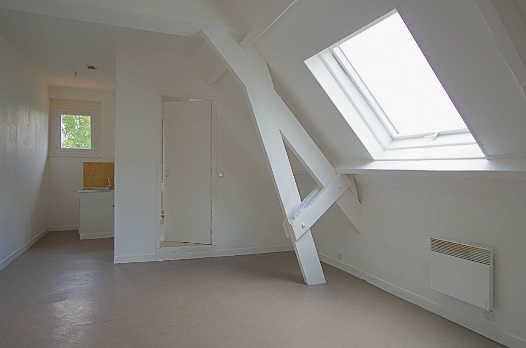 Appartement à louer 2 33.5m2 à Nesle vignette-2