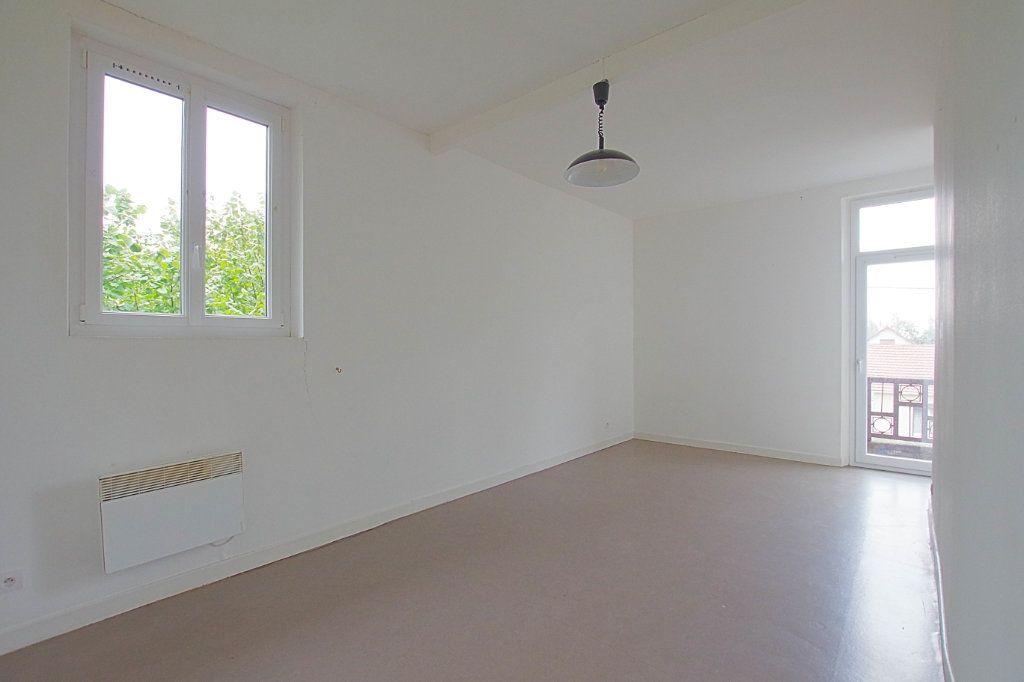Appartement à louer 2 58m2 à Nesle vignette-1