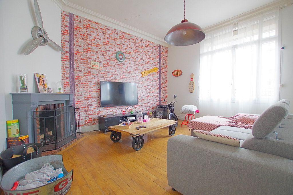 Maison à vendre 11 266.11m2 à Montdidier vignette-1