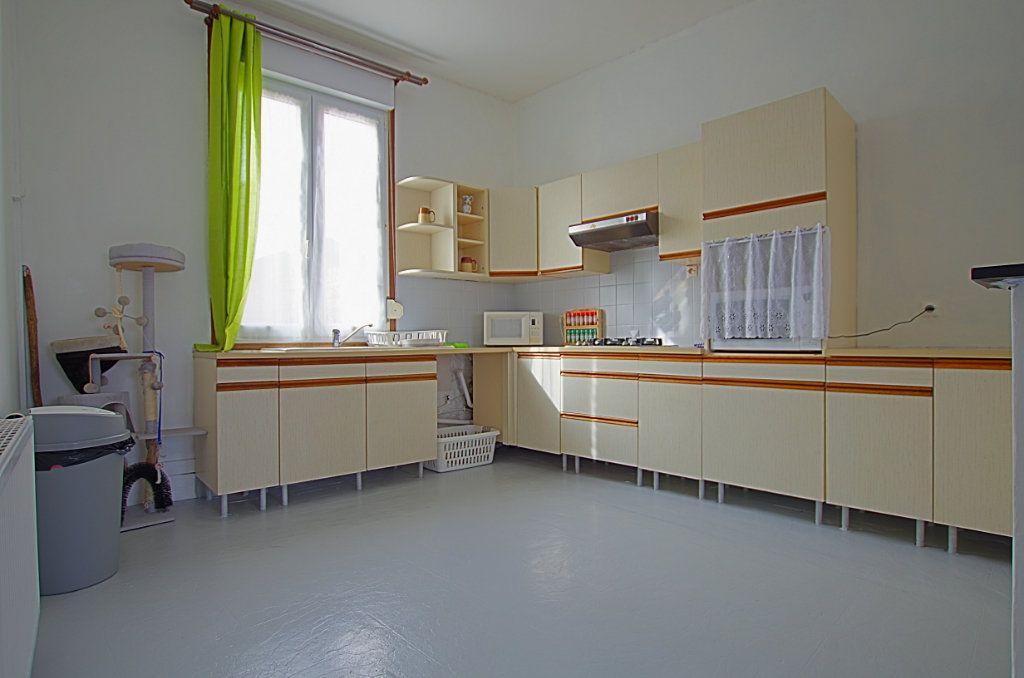 Maison à vendre 5 127.46m2 à Estrées-Deniécourt vignette-2
