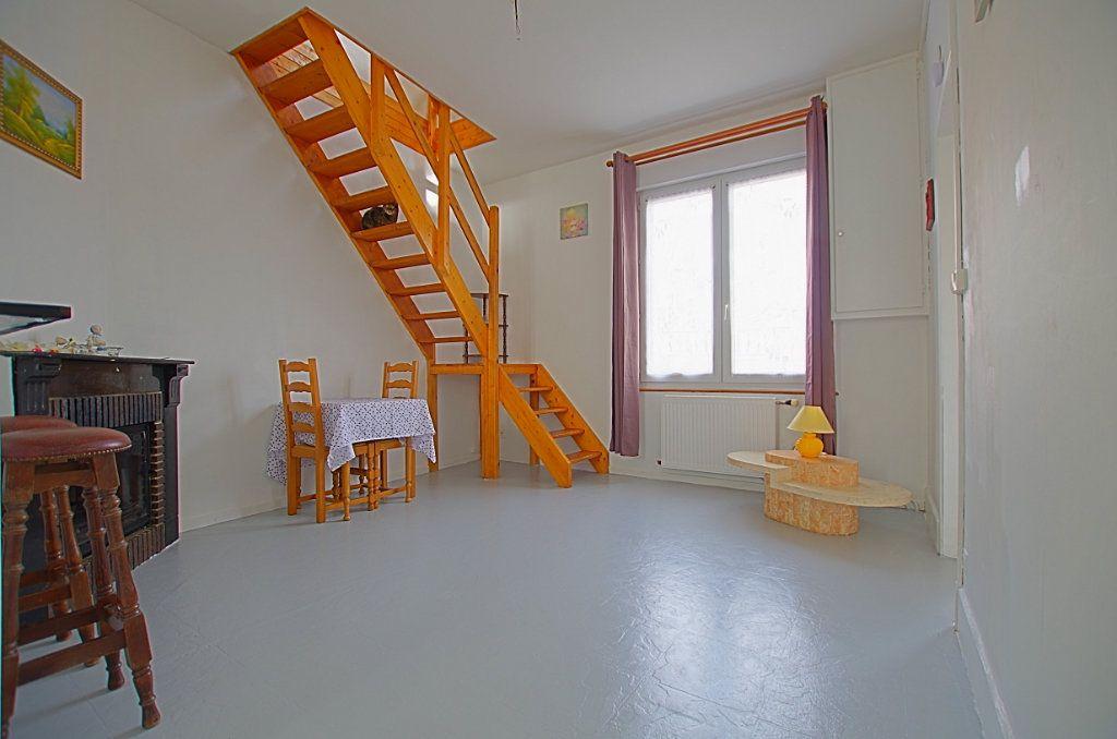 Maison à vendre 5 127.46m2 à Estrées-Deniécourt vignette-4