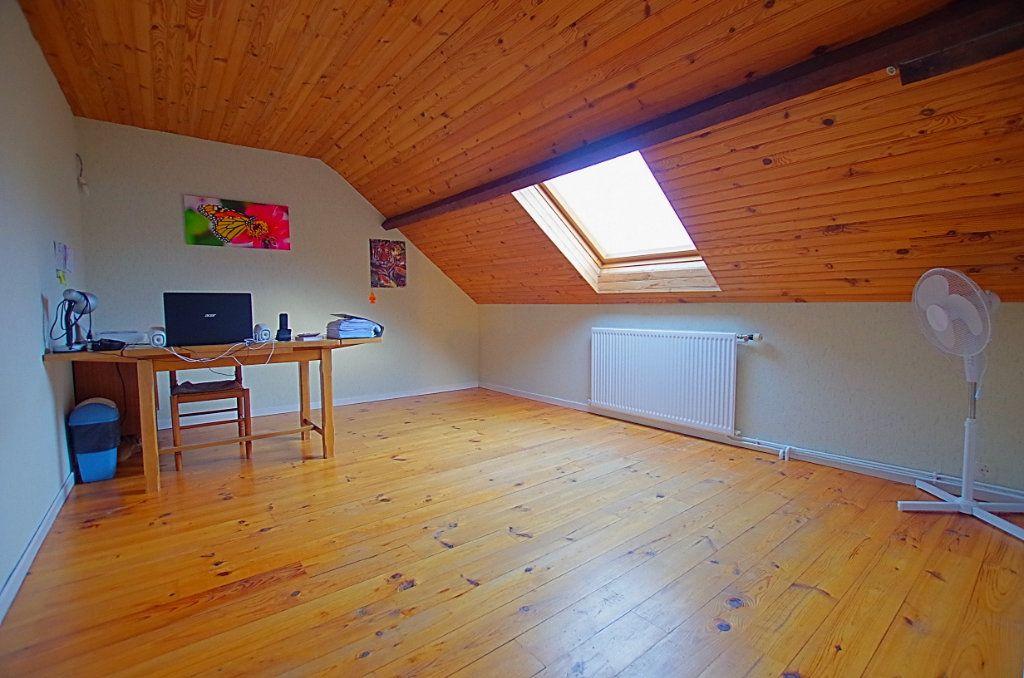 Maison à vendre 5 127.46m2 à Estrées-Deniécourt vignette-9