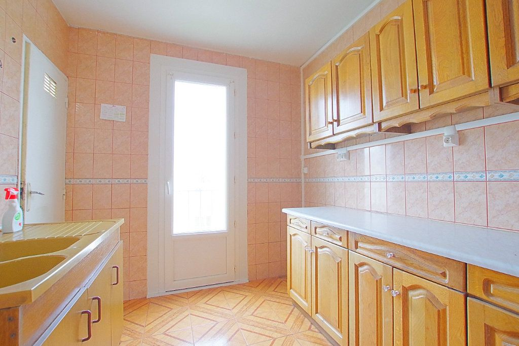 Appartement à vendre 4 66.43m2 à Noyon vignette-1