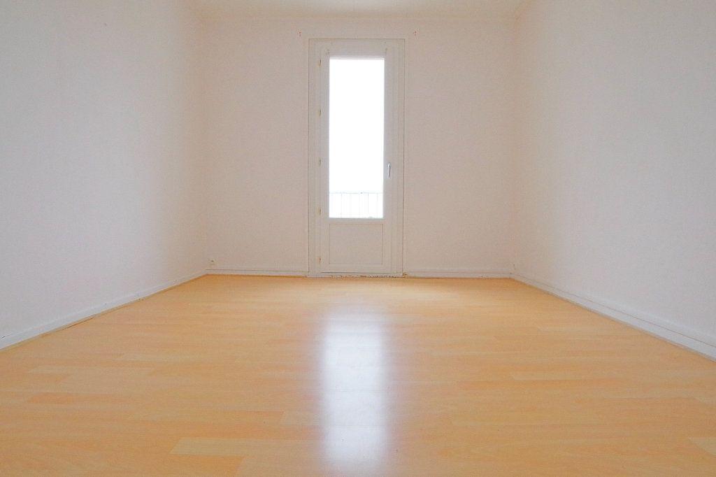 Appartement à vendre 4 66.43m2 à Noyon vignette-4