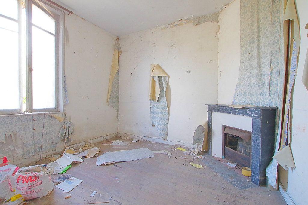 Maison à vendre 4 117.9m2 à Fresnoy-lès-Roye vignette-4