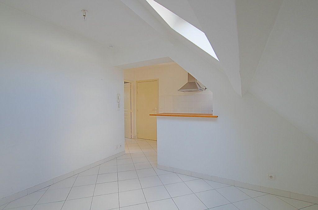 Appartement à louer 2 24m2 à Roye vignette-4