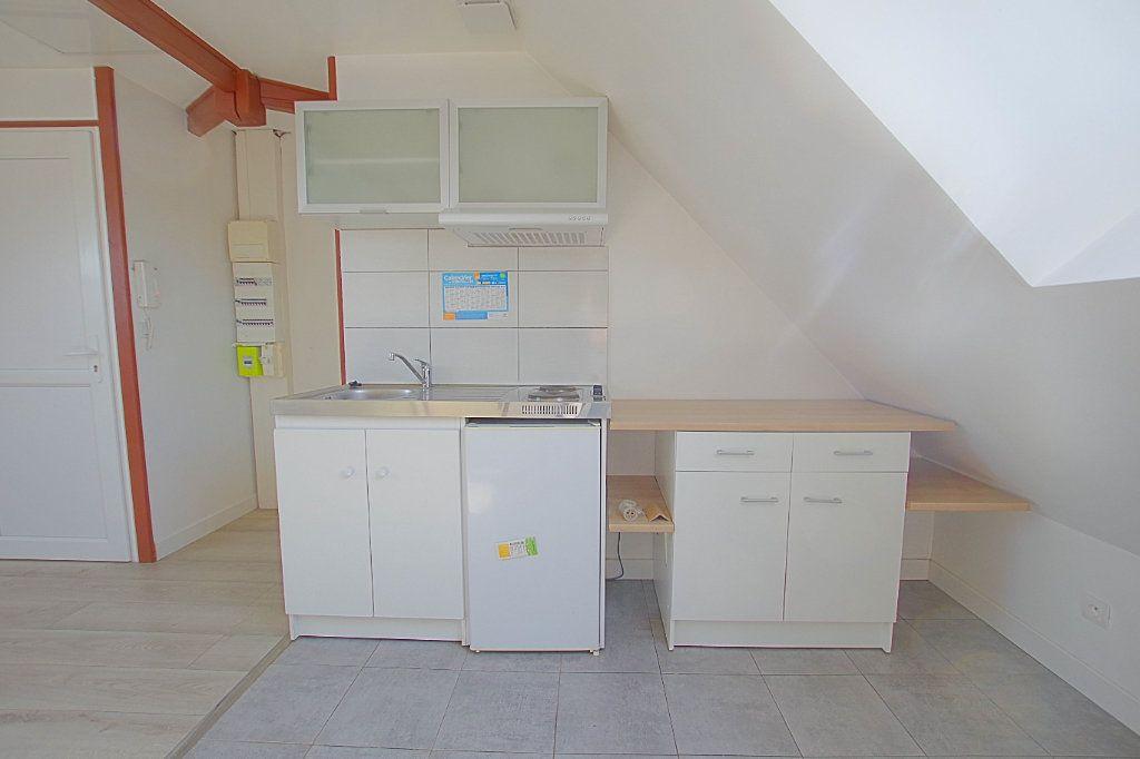 Appartement à louer 3 24.93m2 à Roye vignette-2