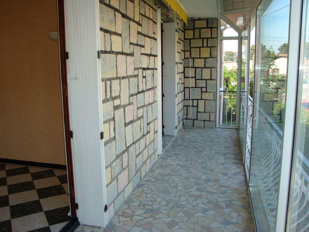 Appartement à louer 3 70m2 à Nîmes vignette-3