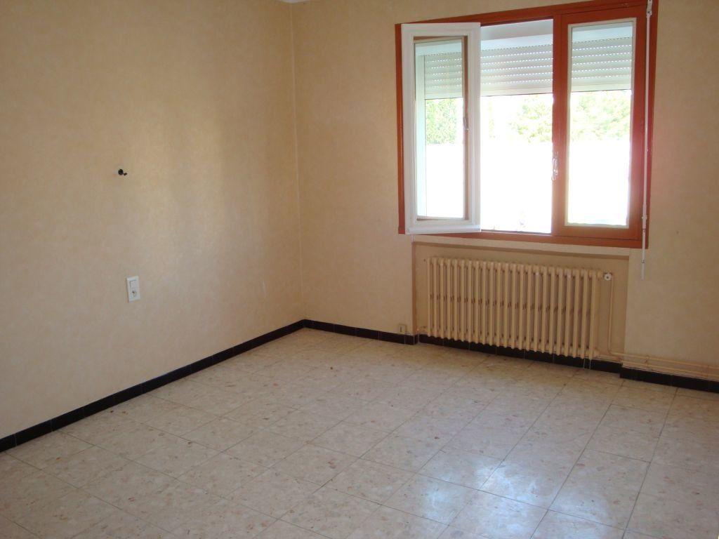 Appartement à louer 3 70m2 à Nîmes vignette-4