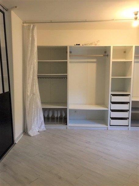 Appartement à louer 2 52m2 à Nîmes vignette-3