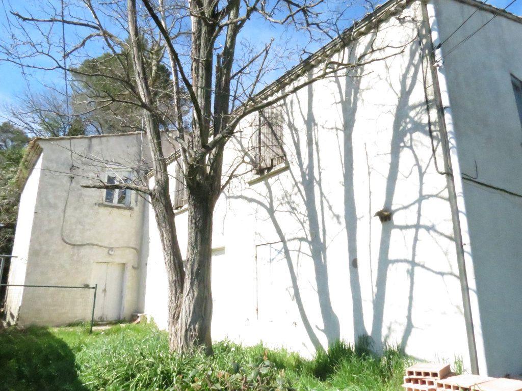 Maison à vendre 4 221.63m2 à Nîmes vignette-1