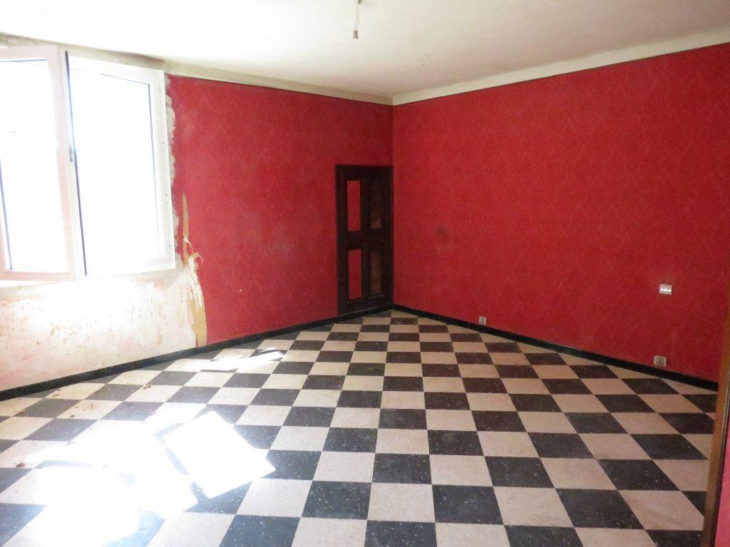 Maison à vendre 4 221.63m2 à Nîmes vignette-6