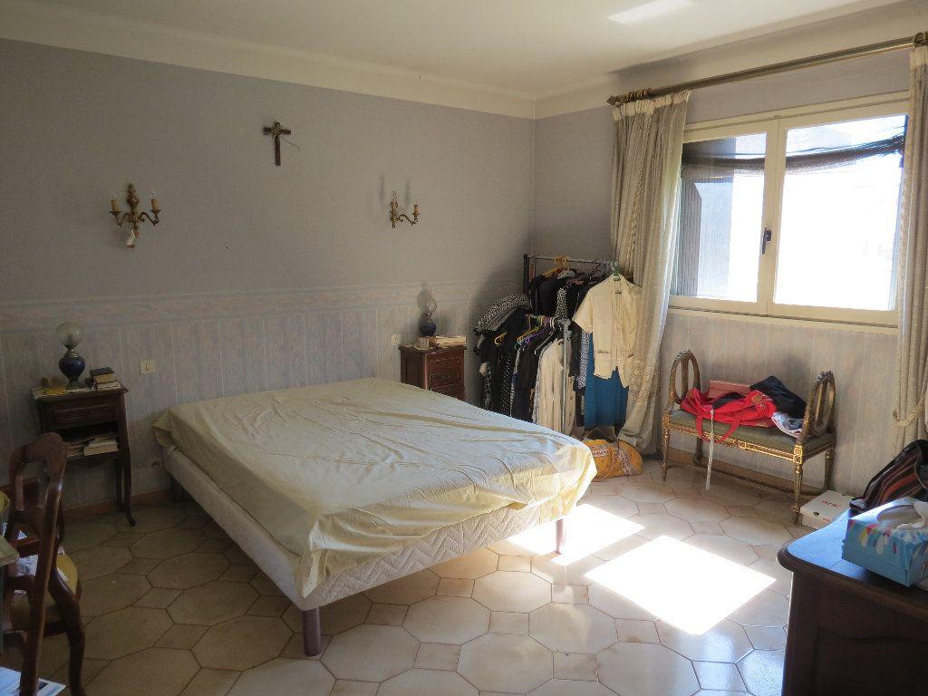 Maison à vendre 9 411.63m2 à Nîmes vignette-5
